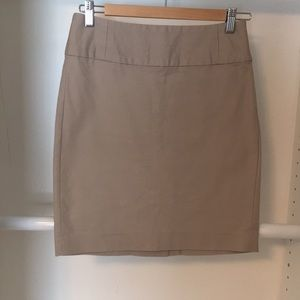 Tan Banana Republic skirt